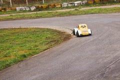 Auto 33 op zijn beurt Stock Fotografie
