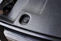 Auto Plastic die Bevestigingsmiddelen in auto voorbumper worden geïnstalleerd royalty-vrije stock fotografie