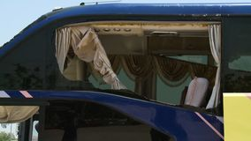 Auto pojazd z łamanymi okno zdjęcie wideo