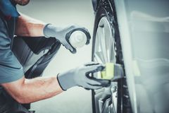 Auto-Rad-Proreinigung stockfoto