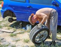 Auto Reparatie Royalty-vrije Stock Afbeeldingen