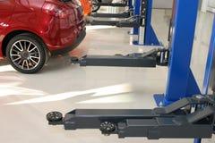 Auto reparatieworkshop Stock Afbeeldingen