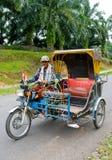Auto rickshawtaxi i Medan, Indonesien. arkivbilder