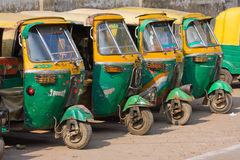 Auto riksjataxis in Agra, India. Stock Foto's