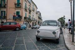 Auto's Bari Apulia in Italië Stock Afbeeldingen