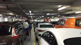 Auto's binnen veerboot het UK Stock Foto