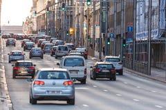 Auto's in de stadsstraat in Brussel Royalty-vrije Stock Afbeeldingen