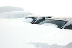 Auto's die in sneeuw worden behandeld Royalty-vrije Stock Foto