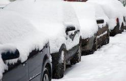 Auto's onder de sneeuw Royalty-vrije Stock Afbeeldingen