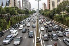 Auto's op asfalt Stock Afbeelding