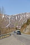 Auto's op bergweg Royalty-vrije Stock Afbeeldingen