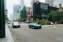Auto's op de straat van Chicago Stock Afbeelding