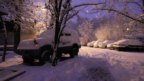 Auto's in snowbanks stock footage
