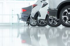 Auto's voor Verkoop, Automobielindustrie, de Parkeerplaats van het Auto'shandel drijven royalty-vrije stock foto's