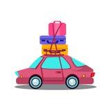Auto-Seitenansicht mit Haufen des Gepäcks Lizenzfreie Stockfotos