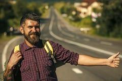 Auto stopp för turist- lopp för handelsresande lyckligt Royaltyfri Bild