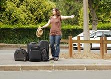 Auto-stoppeur, partant en vacances Image libre de droits