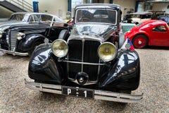 Auto Tatra 80 von Jahr 1935 steht im nationalen technischen Museum Stockfotografie