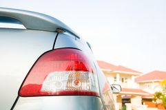 Auto und großes Haus Lizenzfreie Stockbilder