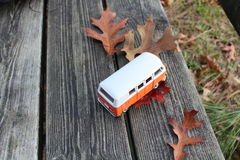 Auto und Herbst Stockfotografie