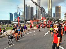 Auto-vrije Zondag in Singapore stock afbeeldingen