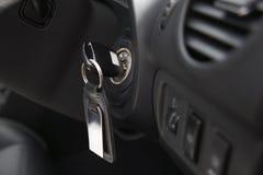 Auto-Zündung mit Schlüssel Stockfoto