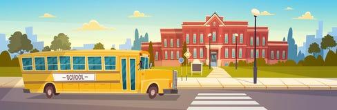 Autobús amarillo en el transporte de Front Of School Building Pupils Imagen de archivo