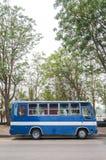 Autobús azul fotografía de archivo