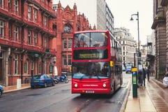 Autobús de dos plantas en Birmingham, Reino Unido Imagen de archivo libre de regalías