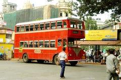 Autobús de dos plantas, Mumbai, la India fotografía de archivo
