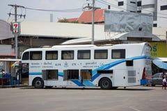 Autobús de la compañía del viaje de Phuluang ningún 175-7 ruta Khonkaen y Chiangmai foto de archivo libre de regalías