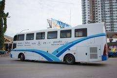 Autobús de la compañía del viaje de Phuluang ruta Khonkaen y Chiangmai foto de archivo libre de regalías