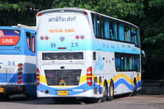 Autobús de la compañía del viaje de Pornpiriya ningún 18-25 Foto de archivo