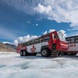 Autobús del explorador del hielo Imágenes de archivo libres de regalías
