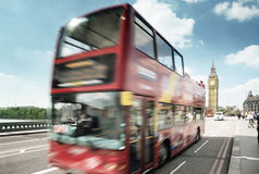 Autobús del movimiento en Londres fotografía de archivo libre de regalías