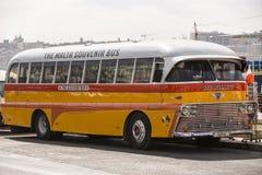Autobús del público de Malta. Imágenes de archivo libres de regalías