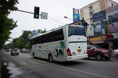 Autobús del viaje de New Udomchai Transport Company Foto de archivo