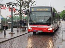 Autobús en Hamburgo foto de archivo