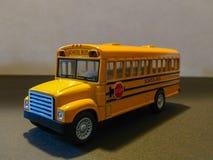 Autobús escolar amarillo fotografía de archivo