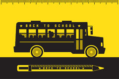 Autobús escolar de nuevo a escuela Fotos de archivo libres de regalías