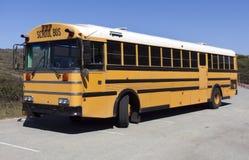 Autobús escolar parqueado Fotografía de archivo libre de regalías