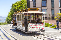 Autobús famoso del teleférico cerca Imágenes de archivo libres de regalías