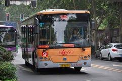 Autobús público de Nanjing City, China Imagen de archivo libre de regalías