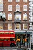 Autobús rojo del amo de la ruta de Londres foto de archivo