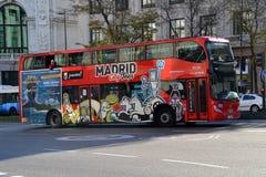 Autobús turístico en Madrid, España Foto de archivo libre de regalías