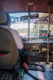 Autobús y conductor en Santa Marta, ciudad del Caribe Imágenes de archivo libres de regalías