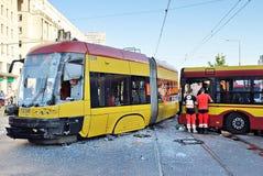 Autobús y tranvía de la ciudad del accidente fotos de archivo libres de regalías