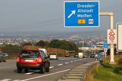 Autobahn alemán con la salida a Dresden imagen de archivo libre de regalías