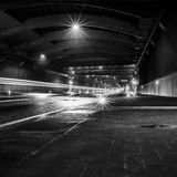 Autobahn-Autobahn-Tunnel Lizenzfreie Stockfotos