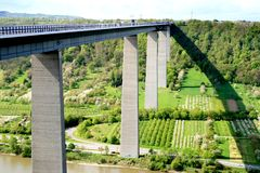 autobahn bridżowy Mosel część winningen fotografia stock